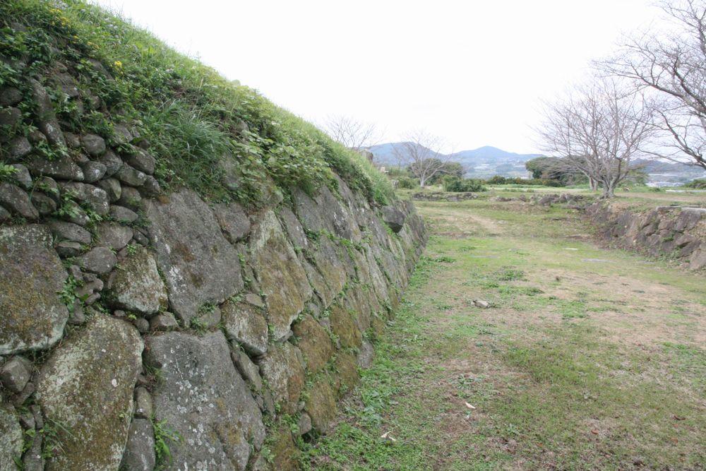 01_石垣にみる「堅固な城」