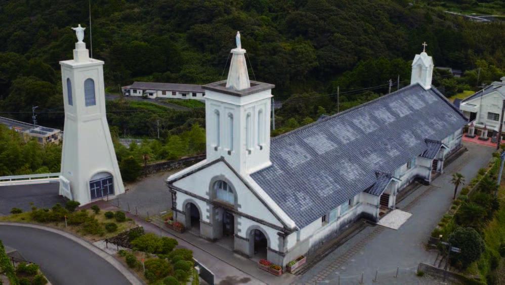 11_前後にふたつの塔をもつ出津教会堂