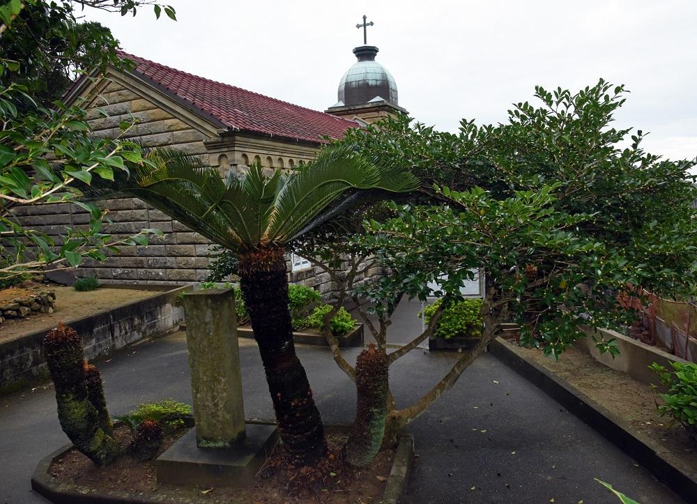 10_「仮の聖堂」跡を示す石碑_池田勉撮影